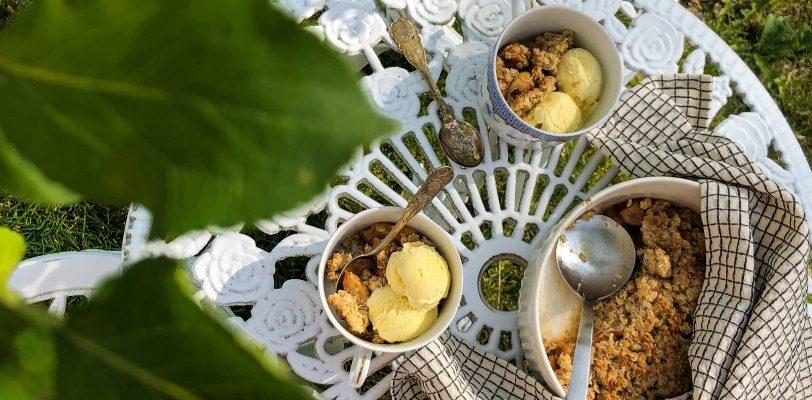 Gluten-free apple oat crumble