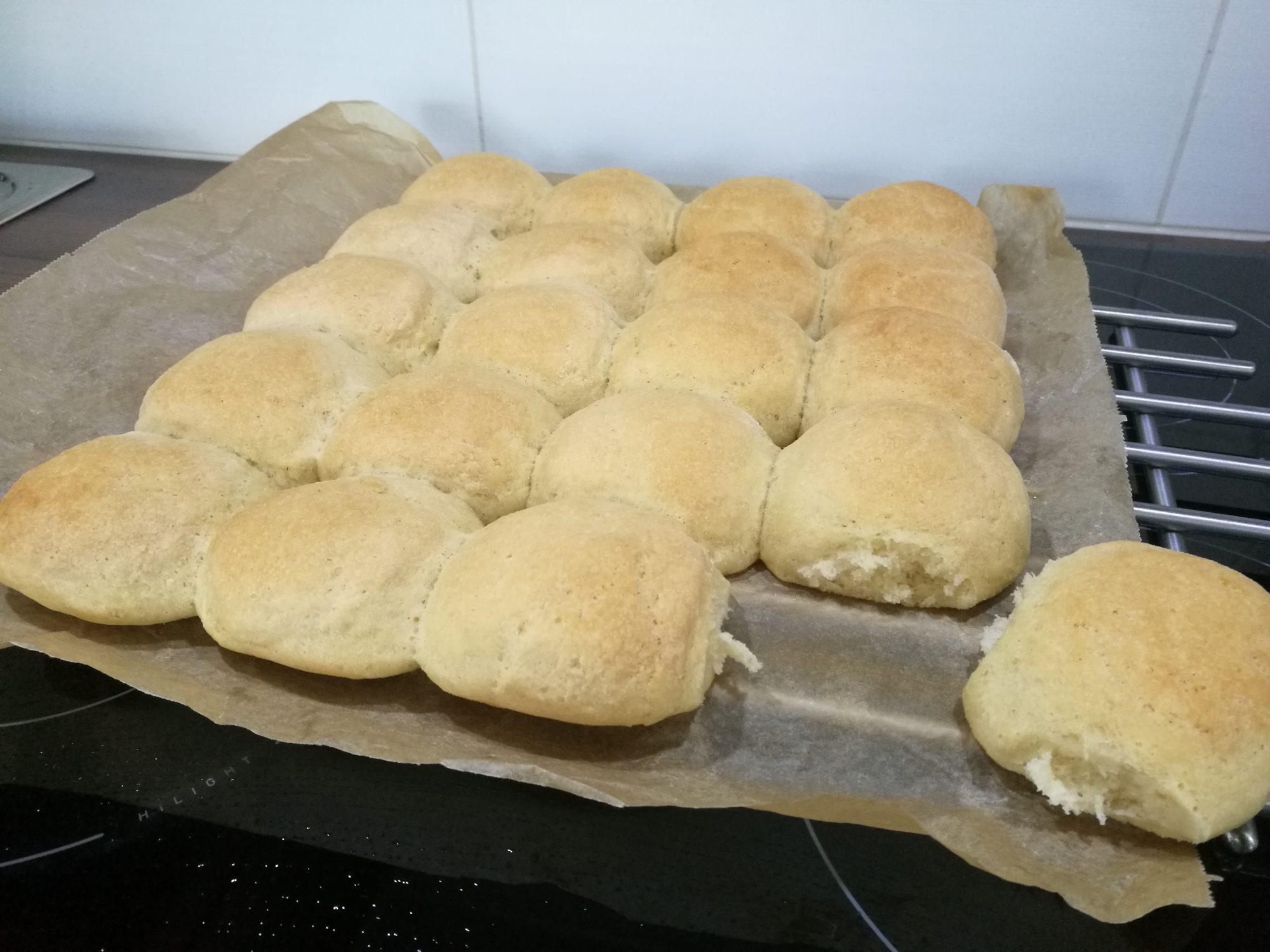 Gluten-free butter bread rolls