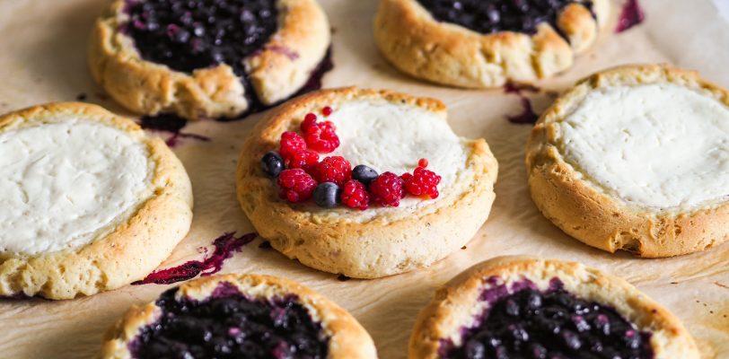 Gluten-free blueberry buns and quark buns