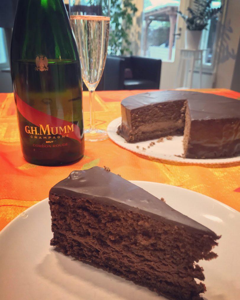 Gâteau au chocolat sans gluten (avec mousse et ganache)