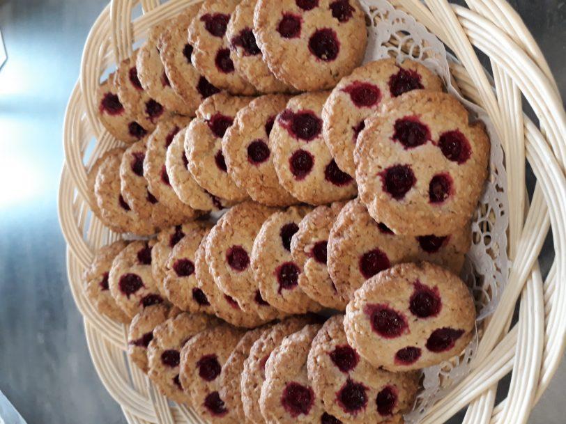 Gluteeniton Puolukka-kauracookiet