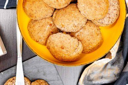 Gluteenittomat juustosämpylät (leivinjauheella)