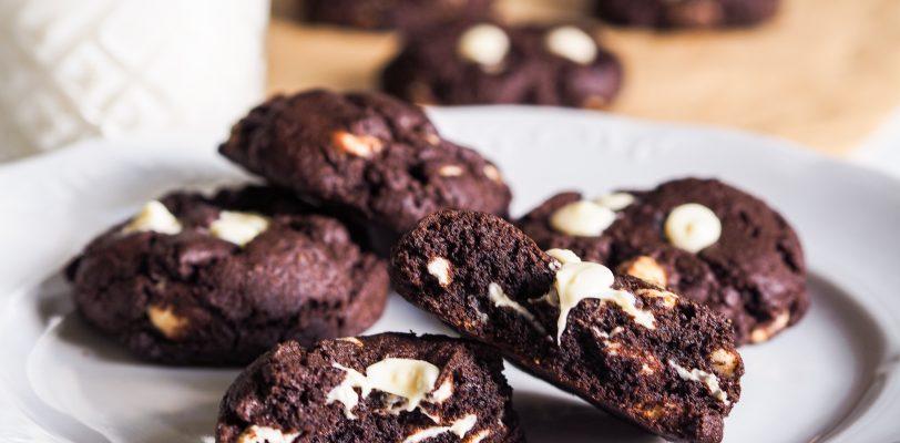 Gluteenittomat tuplasuklaa cookiet