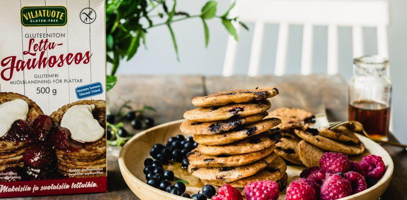 Gluteenittomat ja vegaaniset mustikka-kardemumma pannukakut