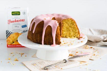 Gluteeniton veriappelsiini-oliiviöljy kakku