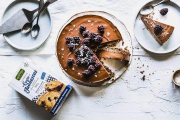 Gluteeniton ja vegaaninen suklaakakku