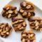 Gluteenittomat maapähkinävoi-suklaa no-bake keksit